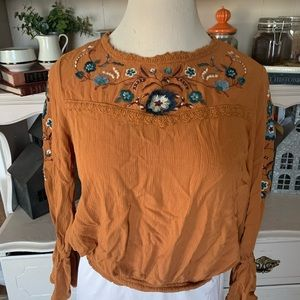 Embroidered fall top